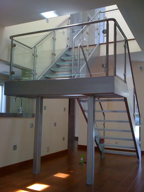 indoorcommercialrail1